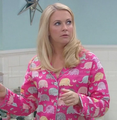 Mel's pink elephant pajamas on Melissa and Joey