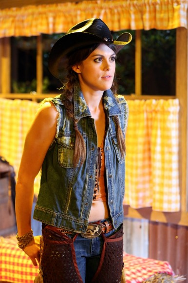 Paige's western hoe down outfit on PLL