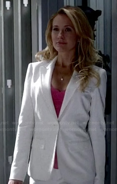 Sarah's white power suit on True Blood