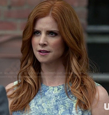 Donna's blue and green printed dress on Suits