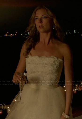 Emily Thorne's wedding gown on Revenge