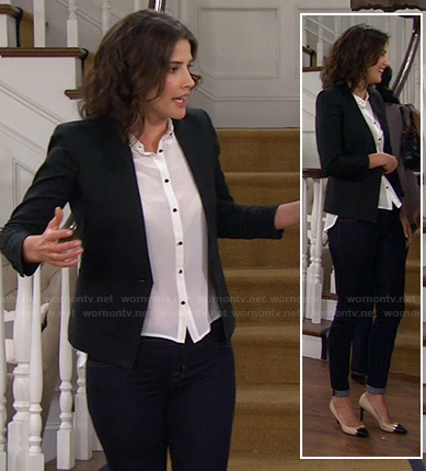 Robin's black blazer with white shirt on How I Met Your Mother
