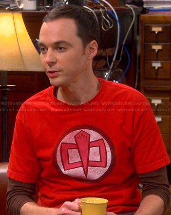 Sheldon's red circle graphic tee on The Big bang Theory