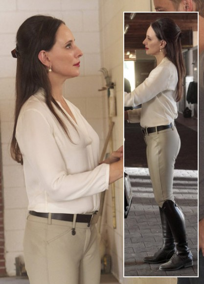 Victoria's riding outfit on Revenge