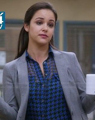 Amy's blue houndstooth blouse on Brooklyn Nine-Nine