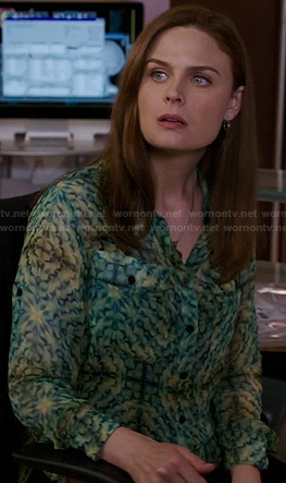 Bones's green kaleidoscope print blouse on Bones