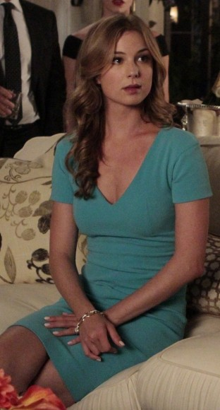 Emily's teal green v-neck sheath dress on Revenge