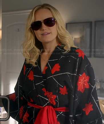 Kate's black and red flower print robe on Trophy Wife