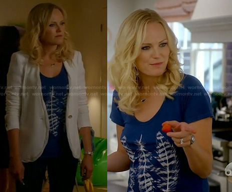 Kate's blue feather tee and white blazer on Trophy Wife
