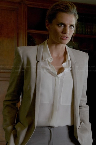 Beckett's light grey blazer with thin lapel on Castle