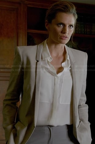Kate's grey blazer with skinny collar on Castle