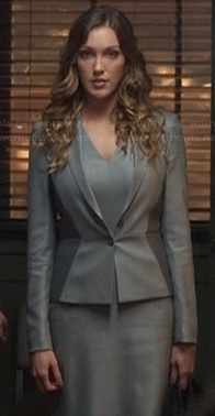 Laurel's grey two tone blazer on Arrow