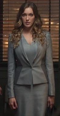 Laurel's grey two tone blazer on Arrow