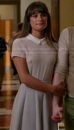 Rachel's peter pan collar top and white pleated skirt on Glee