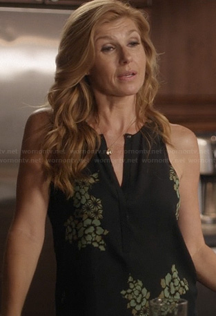 Rayna's black and green printed blouse on Nashville