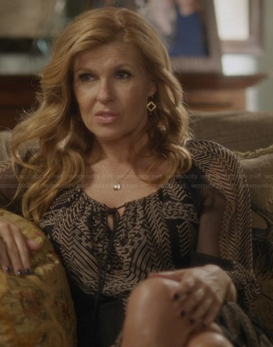 Rayna's black and white printed peasant style dress on Nashville