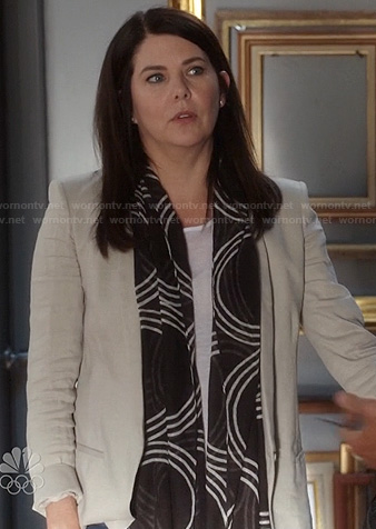 Sarah's light grey blazer and black and white circle print scarf on Parenthood