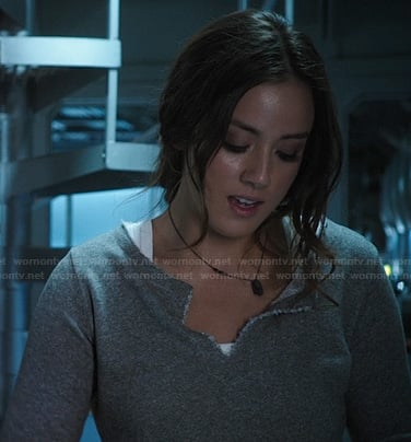 Skye's grey cropped pullover on Agents of SHIELD