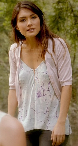 Sophie's lightning print top on The Originals