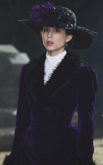 Spencer Hastings Halloween Costume on PLL 2013
