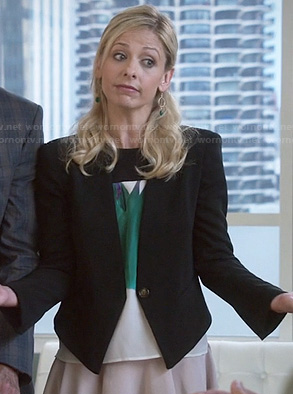 Sydney's green printed top and black blazer on The Crazy Ones