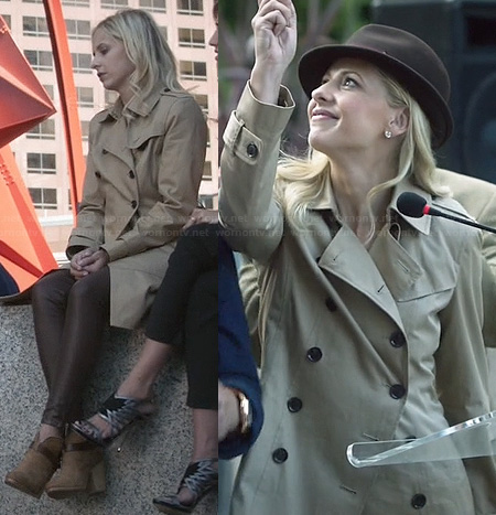Sydney's trench coat and ankle boots on The Crazy Ones