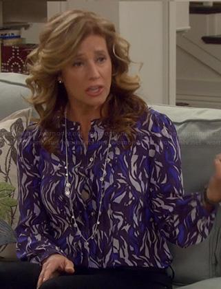 Vanessa's blue printed blouse on Last Man Standing