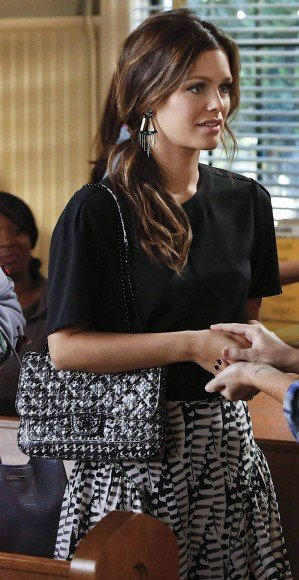 Rachel Bilson's black and white skirt on Hart of Dixie