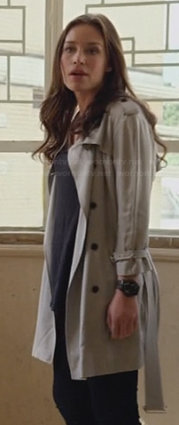 Annie's collarless trench coat on Covert Affairs