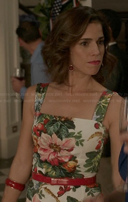 Bizzy (Ana Oritz)'s floral and strawberry print dress on Revenge