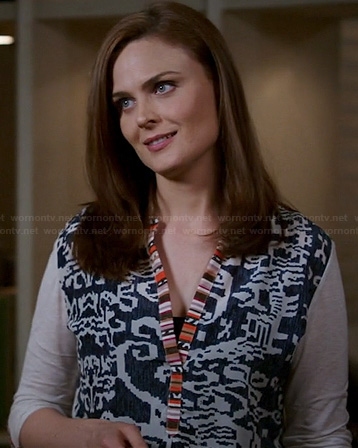 Brennan's mixed print top on Bones
