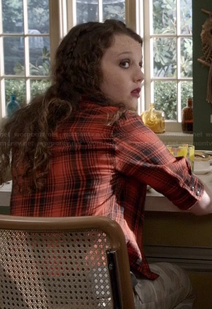 Dorrit's red plaid shirt on The Carrie Diaries