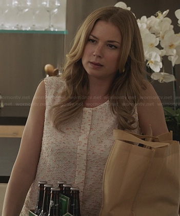 Emily's textured top on Revenge