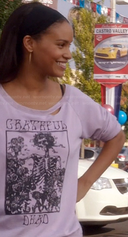 Jasmine's grateful dead graphic sweater on Parenthood