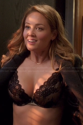 Julia's black lace bra on Parenthood