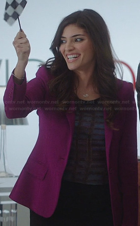 Lauren's printed top and magenta purple blazer on The Crazy Ones
