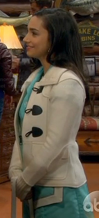 Mandy's white toggle coat on Last Man Standing