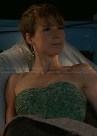 Margaux's green printed strapless dress on Revenge