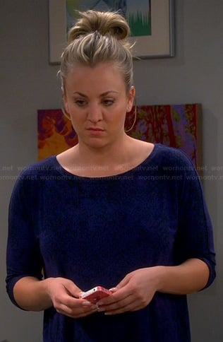 Penny's blue and black printed top on The Big Bang Theory