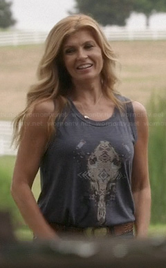 Rayna's grey skull graphic tank top on Nashville