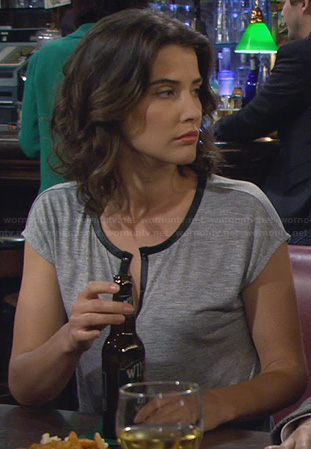 Robin's leather trim tshirt on How I Met Your Mother