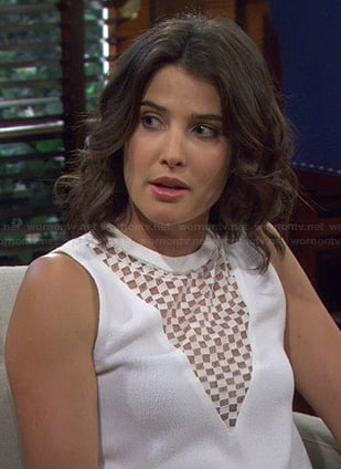 Robin's white checkerboard top on HIMYM