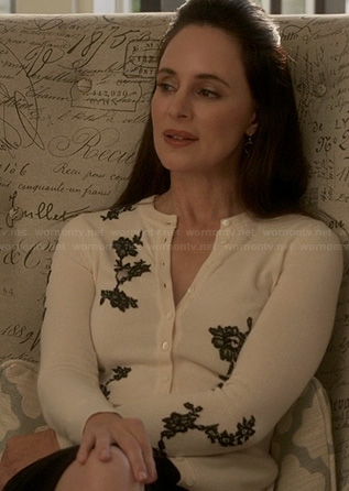 Victoria's black and white lace embroidered cardigan on Revenge