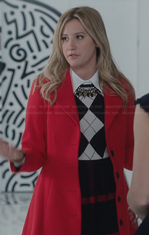 Kelsi's (Ashley Tisdale) argyle sweater, checked skirt and red coat on The Crazy Ones