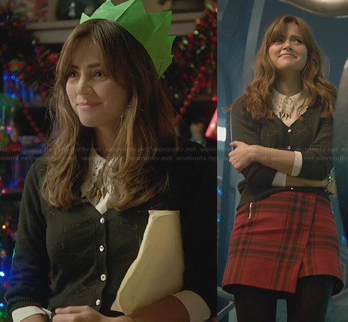 Clara's red check wrap skirt on Doctor Who Xmas Special