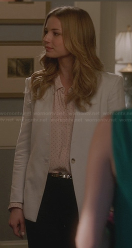 Emily's blush pink polka dot blouse and light grey blazer on Revenge