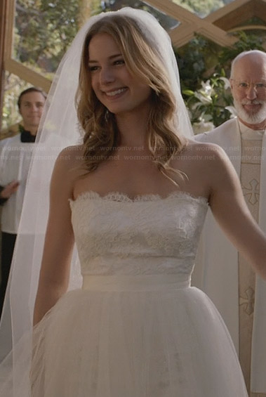 Emily Thorne's bridal gown on Revenge