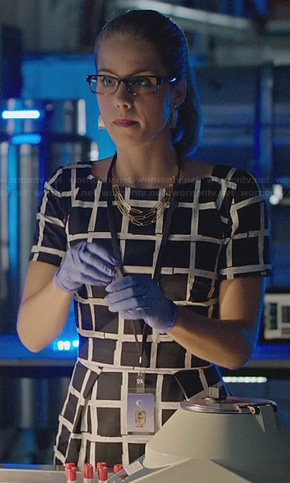 Felicity's black and white grid print dress on Arrow
