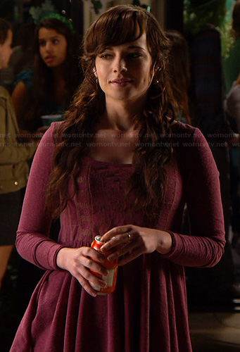 Jenna's purple babydoll top on Awkward