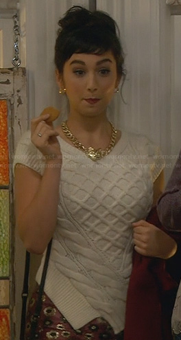 Mandy's white cable knit top on Last Man Standing